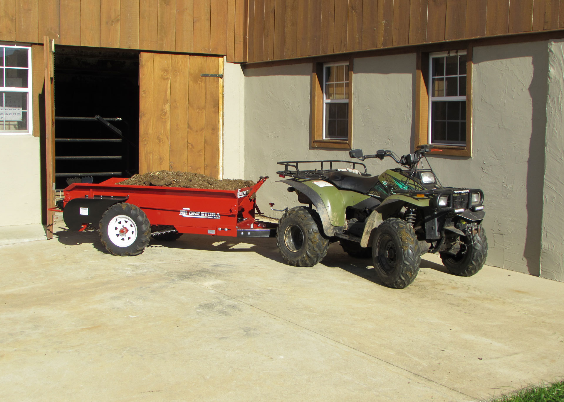 compact manure spreader by conestoga manufacturing