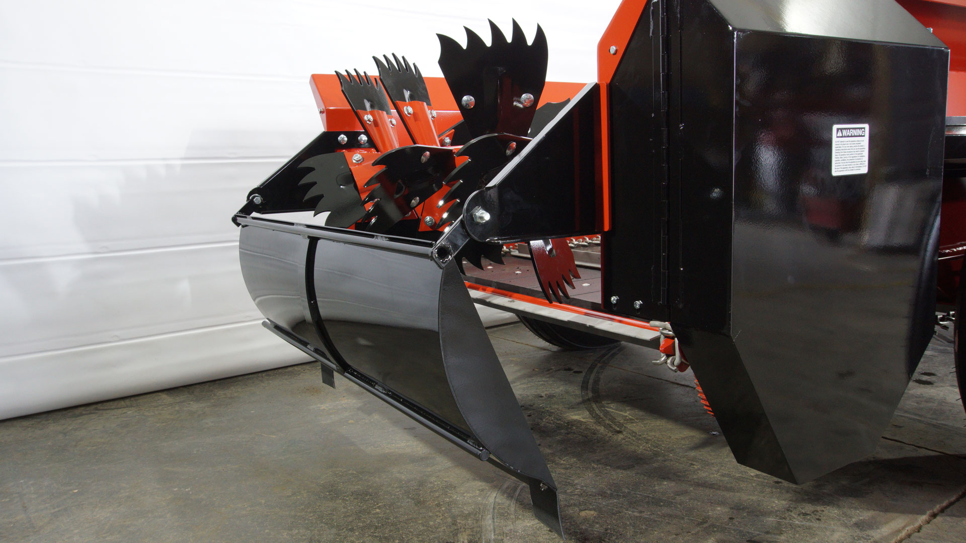 Horse manure spreader with fines pan by conestoga manufacturing.